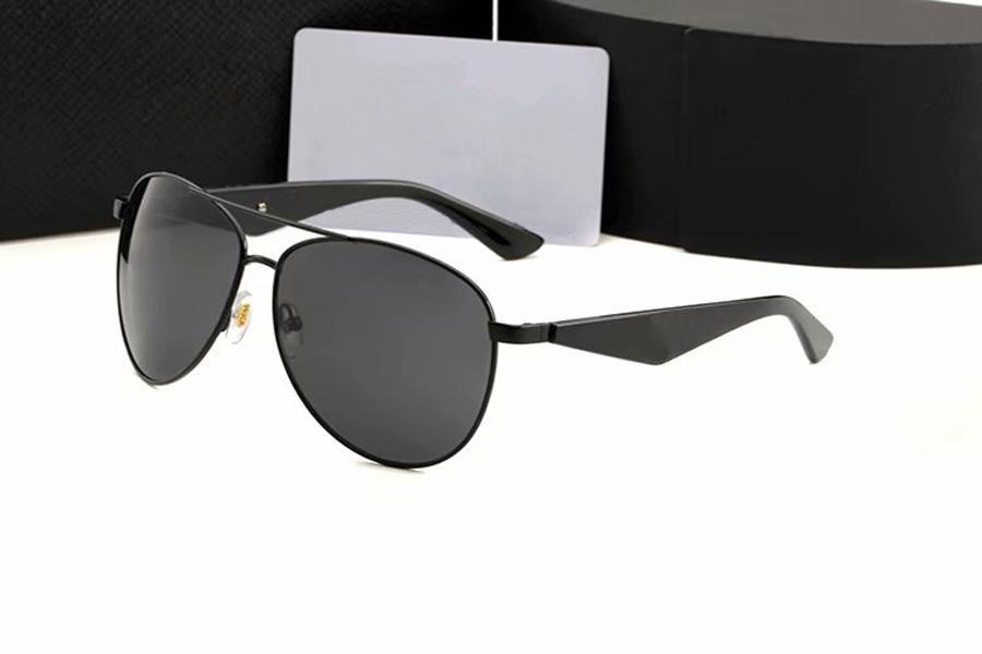 Lunettes de soleil ovale de luxe pour hommes Designer Summer Shades Noir Vintage Sun Sun Verres de lunettes de soleil mâles avec boîte