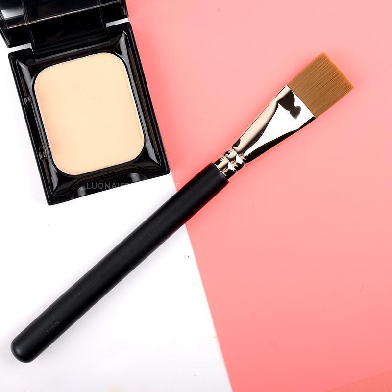 Pennelli per il trucco 1 PZ Fashion Multi-Functional Brush Mask Mask Concealeder Strumenti di bellezza Professionale Rame Maquiagemperfeita