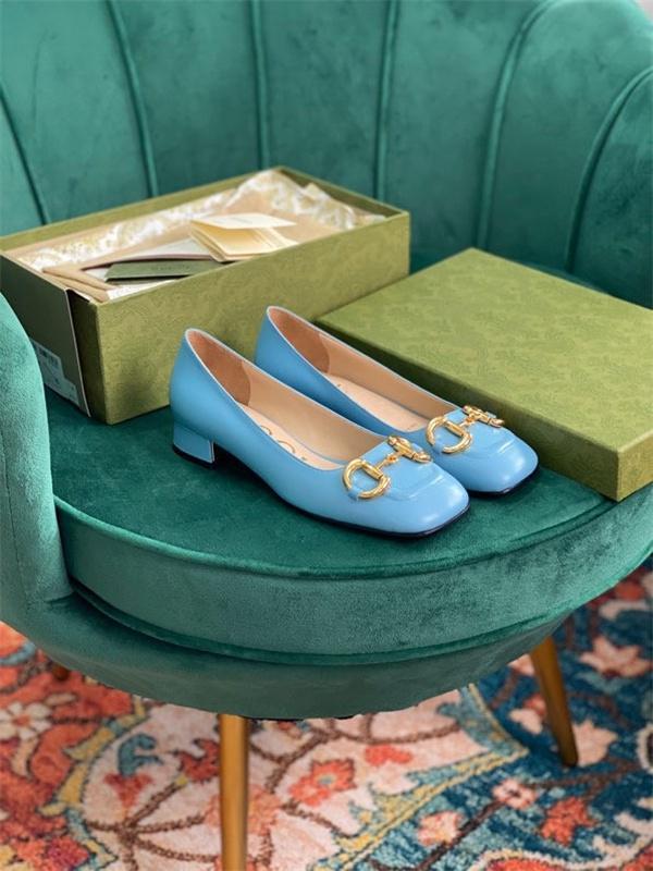 Frauen Kleid Schuhe High Heels Womens Luxurys Designer Echtes Leder Pumps Dame Sandals Hochzeits-Bottoms-Plattform