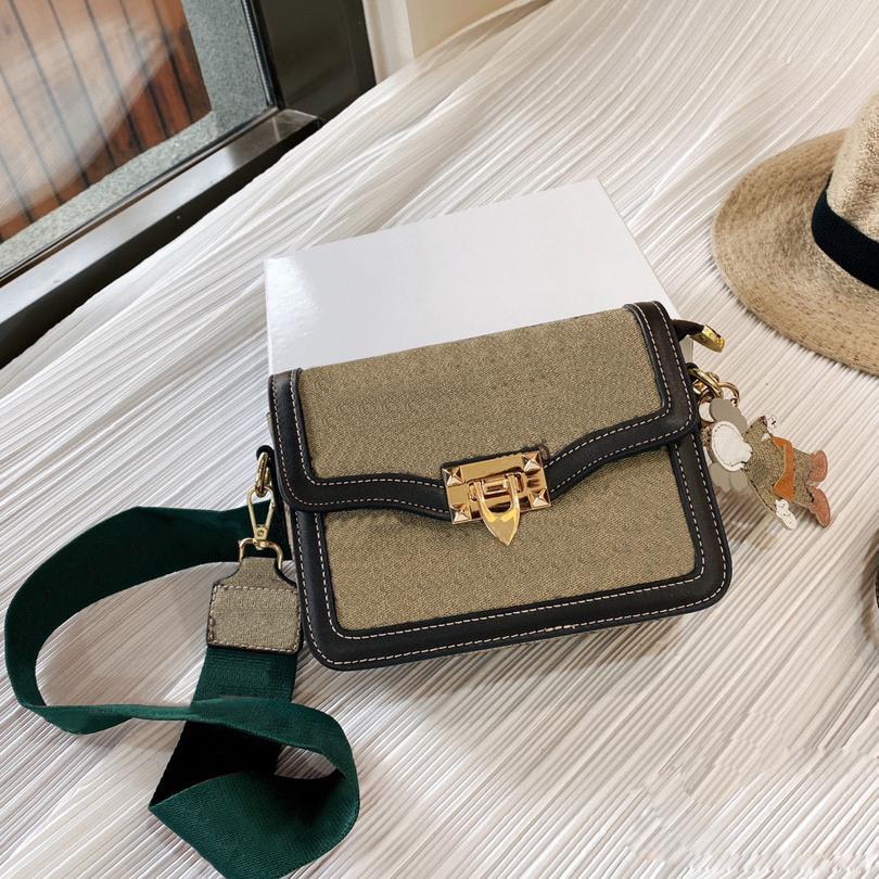 21SS Sacs Femmes Sacs Sacs à main Bandbody Sac Fashion Bretelles Bords Deux sangles avec boîte Haute Quantité ZZL2105052