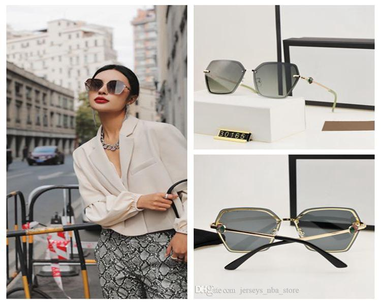 30165 Designer Sunglasses Men Women Eyeglasses Outdoor Shades PC Frame Fashion Classic Lady Sun glasses Mirrors for Women Geometric Eyewear
