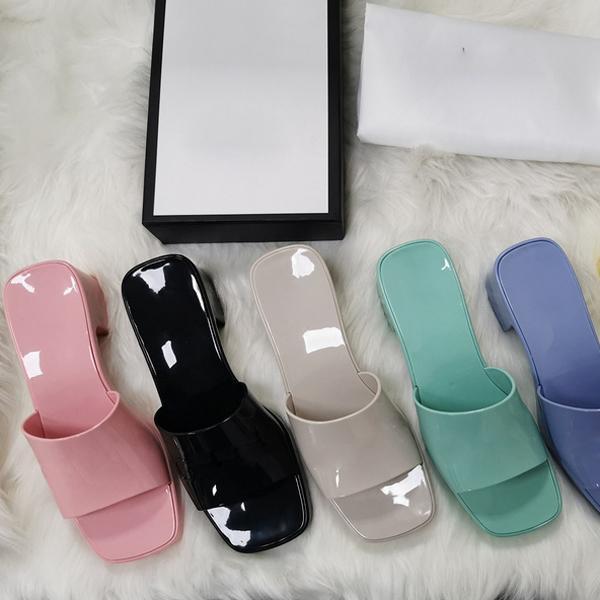 Donne classiche Fashion Flash Flat Slides Flip Flop Designer Pantofole Pantofole Leather Ladies Lussurys Sandali Sandali Sildi con scatola Dimensione 35-41