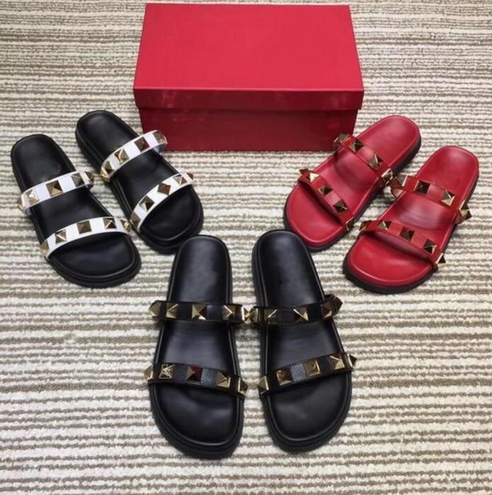 브랜드 디자이너 여름 슬리퍼 리벳 오픈 발가락 플랫폼 샌들 플랫 여성 비치 신발 패션 야외 슬리퍼 35-45