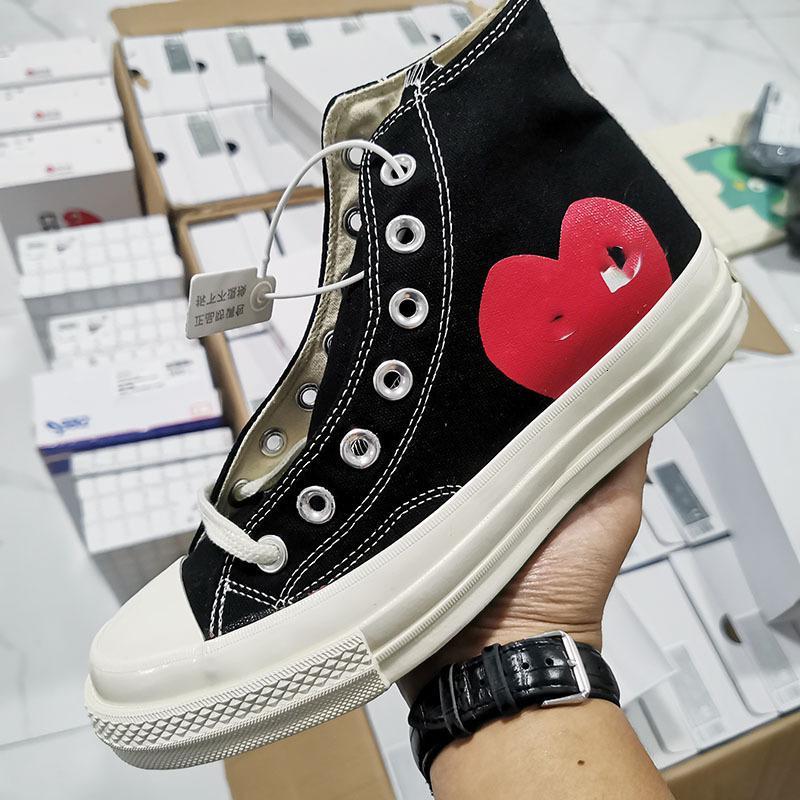 Novo Luxo Clássico Skate Shoes Chuck Canvas Jogar Grandes Olhos Grandes Olhos High Top Dot Dot Coração Mulheres Homens Designer Designer Sneakers Chaussures