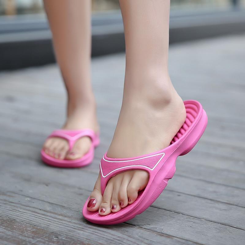 Light Sports Women Flip Flop Summer 2021 Flip-flops Donne Designer Designer Pantofole per la casa Femminile Solido Spiaggia all'aperto Spiaggia