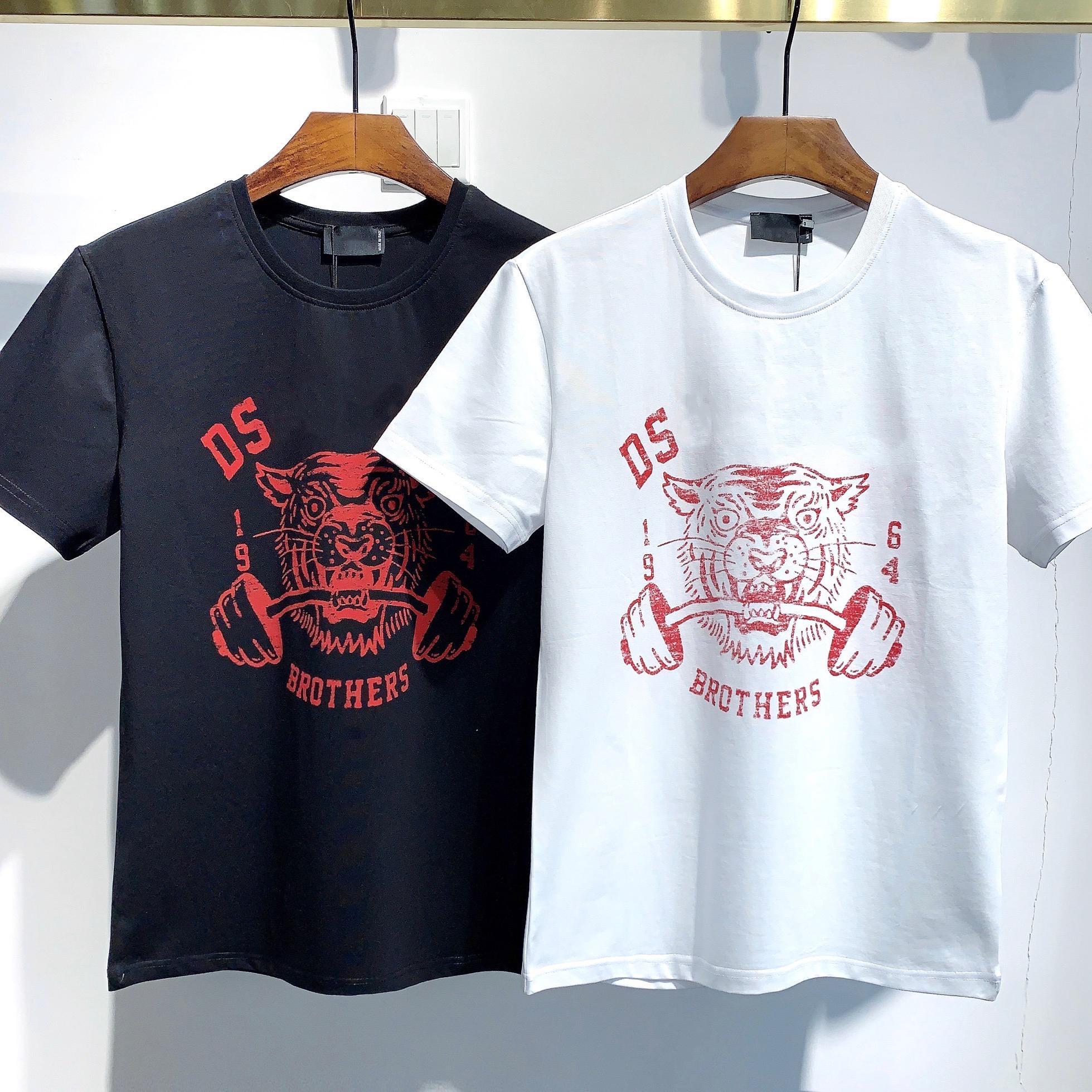 2021 패션 아이콘 디자이너 Mens 여성 T 셔츠 # DT016 여름 클래식 메이플 잎 티 필수품 흰색 편지 인쇄 캐주얼 의류