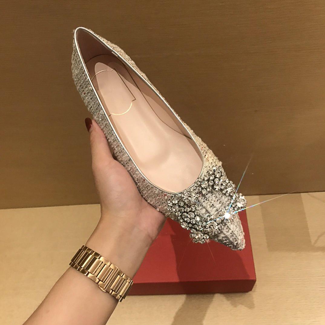 2021S Luxus Klassische Frauen Flache Schuhe mit Blumenbohrer Angekommener Europäischer Station Fashion Matching Spring- und Herbstverkäufe sind Größe35-40
