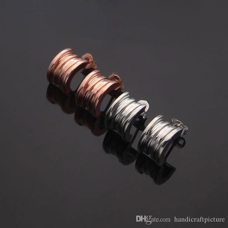 Orecchini di gioielli designer di lusso Semplice lettera a molla orecchini innamorati Versione degli orecchini a molla