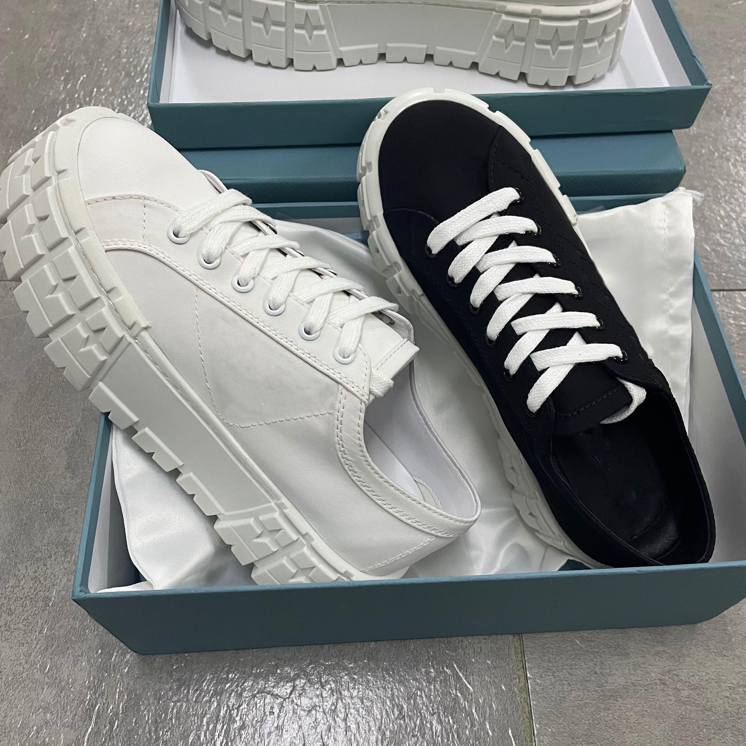 Kadın Tekerlek Cassetta Platformu Düz Sneakers Kalın Kauçuk Alt Eğitmen Tuval Dantel-Up Ayakkabı Lüks Rahat Ayakkabılar Ile Kutusu 261