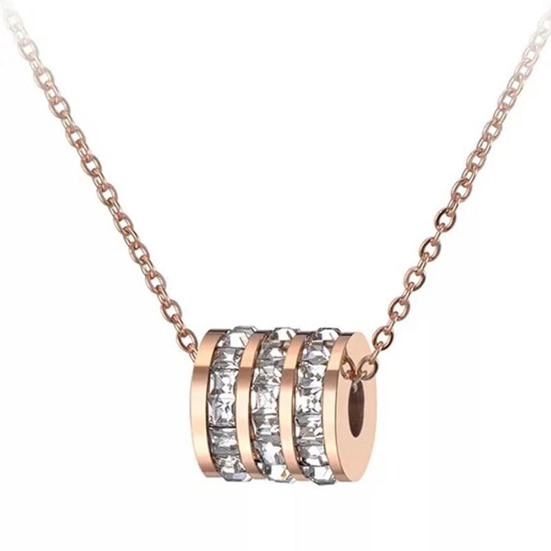 Collares colgantes Mujeres clásicas Cubic Zirconia Círculo Gargantilla con pavimento Ajuste Rhinestones Rose Oro Acero inoxidable Joyería femenina