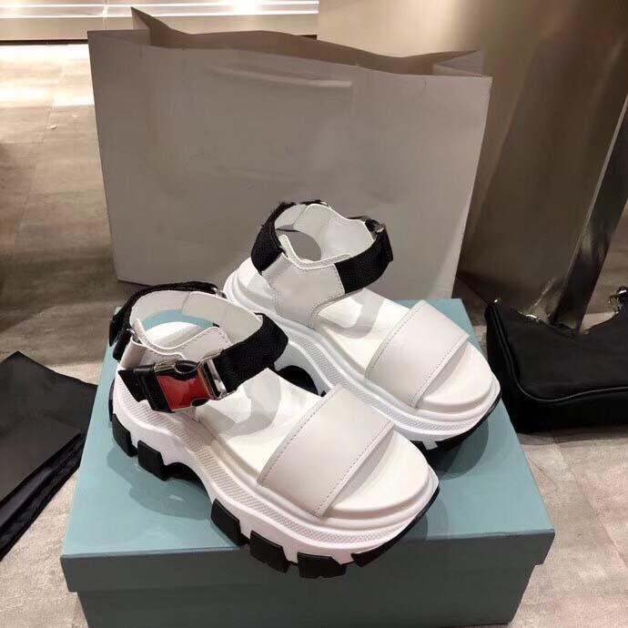 Густые нижние тапочки для булочки роскоши дизайнерские женские сандалии кристалл кожа классический стеганый платформа мода повседневная обувь размером 35-41 с коробкой