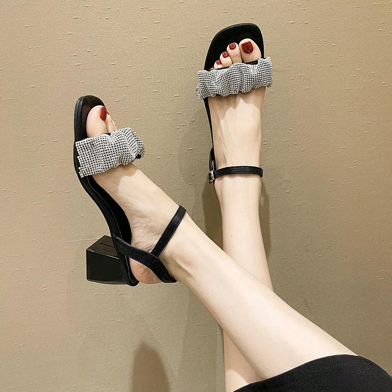 Peri Tarzı Kore Tarzı Tıknaz Topuk Moda Sandalet Kadınlar için 2021 Yaz Yeni Internet Ünlü Nefes Casual Bayan Ayakkabı Tek Parça D