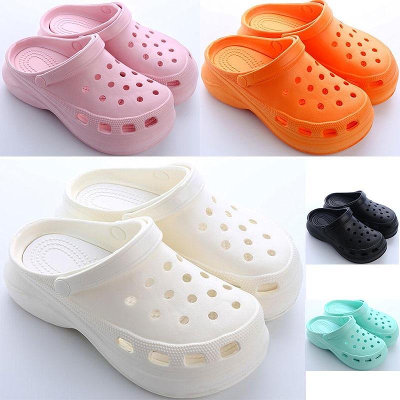 2021 Womens 여름 두꺼운 구멍 신발 숙녀 높이 증가 신발 검은 흰색 오렌지 핑크 소녀 여성 비치 클래식 샌들 슬리퍼 18
