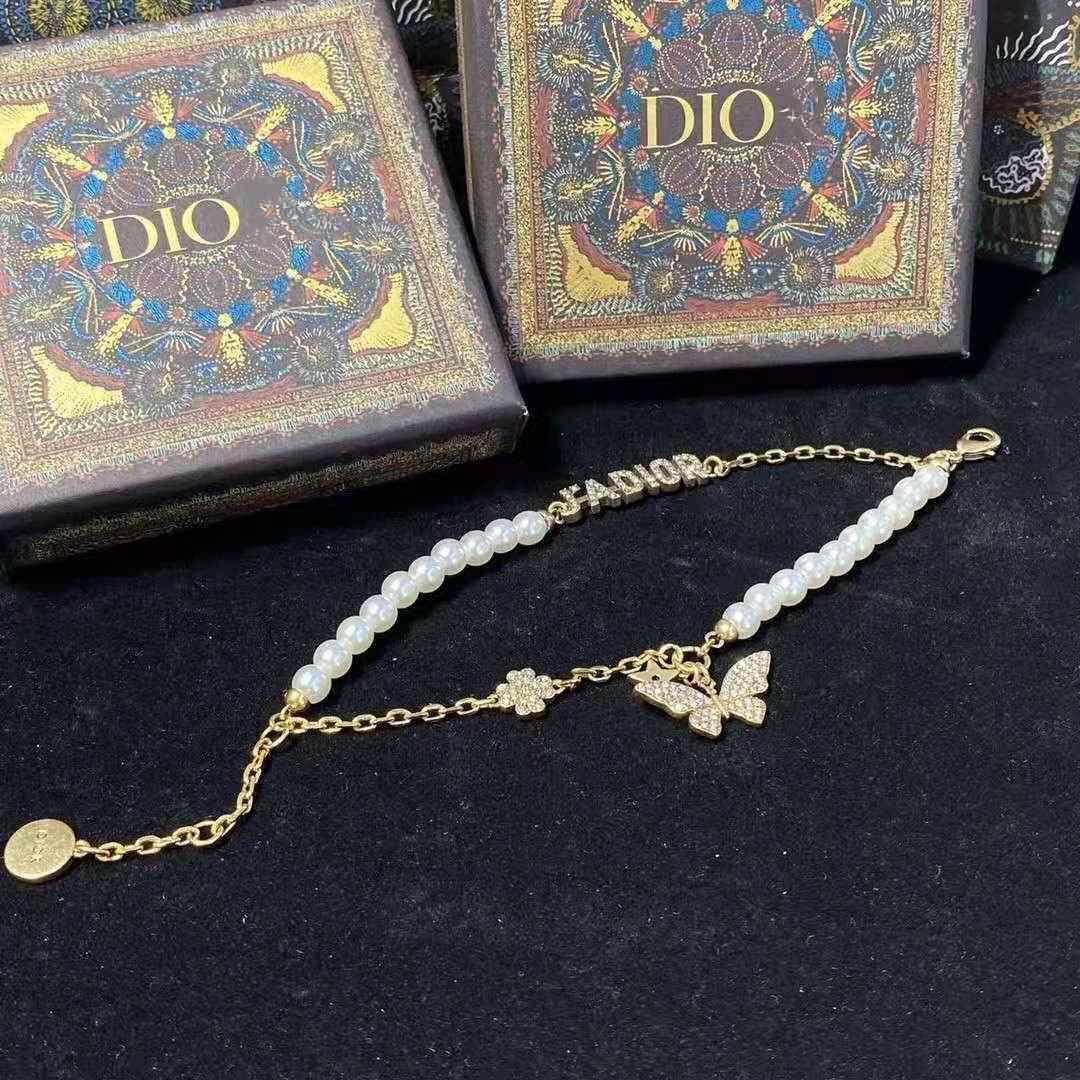 D 가족 진주 플래시 다이아몬드 편지 나비 목걸이 여성의 슈퍼 불멸의 초커 Braceletjrkc의 21 새로운 제품