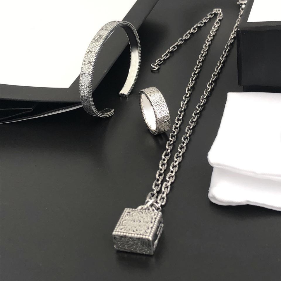Bracelet classique rétro collier bagues costume femme femme femme chaîne bracelets colliers bijoux simplicité mode marée courante