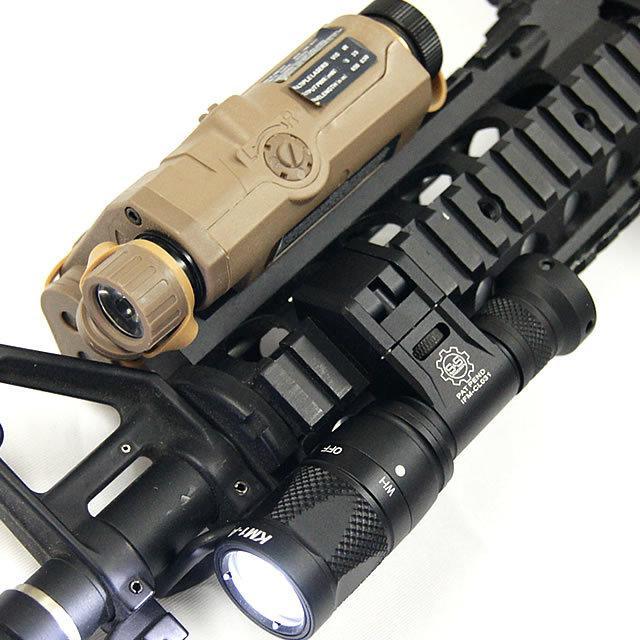 CAM Táctica Scout Scout IFM Pistola ligera Anodización de la luz Aluminio de aluminio QD Cree LED Linterna de salida dual negra / Tierra oscura