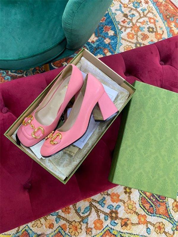 Top Qualität 2021 Frauen Schuhe High Heels Sexy Spitz rote Sohle Pumps Hochzeit Kleid Schuhe Nackt Schwarz Glänzend
