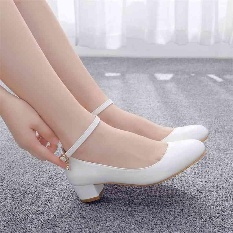 Kristallkönigin weiße Frauen High Heels Sexy Braut Party 3cm Mid Heel Spitze Spitze Flacher Mund High Heel Schuhe Große Größe 42 210408