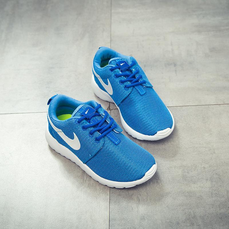 Tasarımcı 2021 Moda Hiphop Marka Batı Ayakkabı Erkek Kız Gençler Aktif Nefes Koşları Ayakkabı Çocuklar için 25-35 EUR
