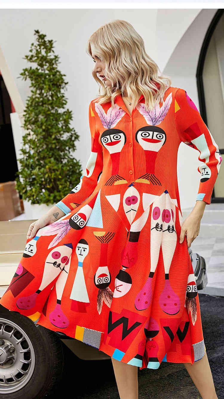 robe Miyake FILE FLIENT BOUTON D'IMPRESSION DE MONTAGE V-COU TOUR À manches longues à manches longues