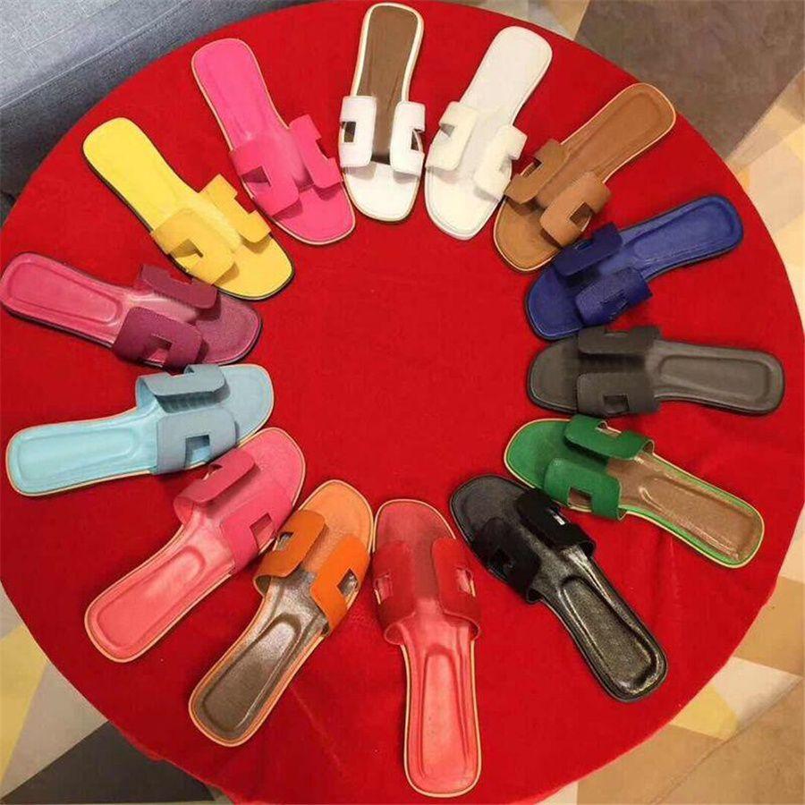 클래식 플랫 여자 비치 슬리퍼 크리스탈 샌들 여름 아가씨 만화 큰 머리 와이드 슬리퍼 진짜 가죽 호텔 목욕 여성 신발 상자