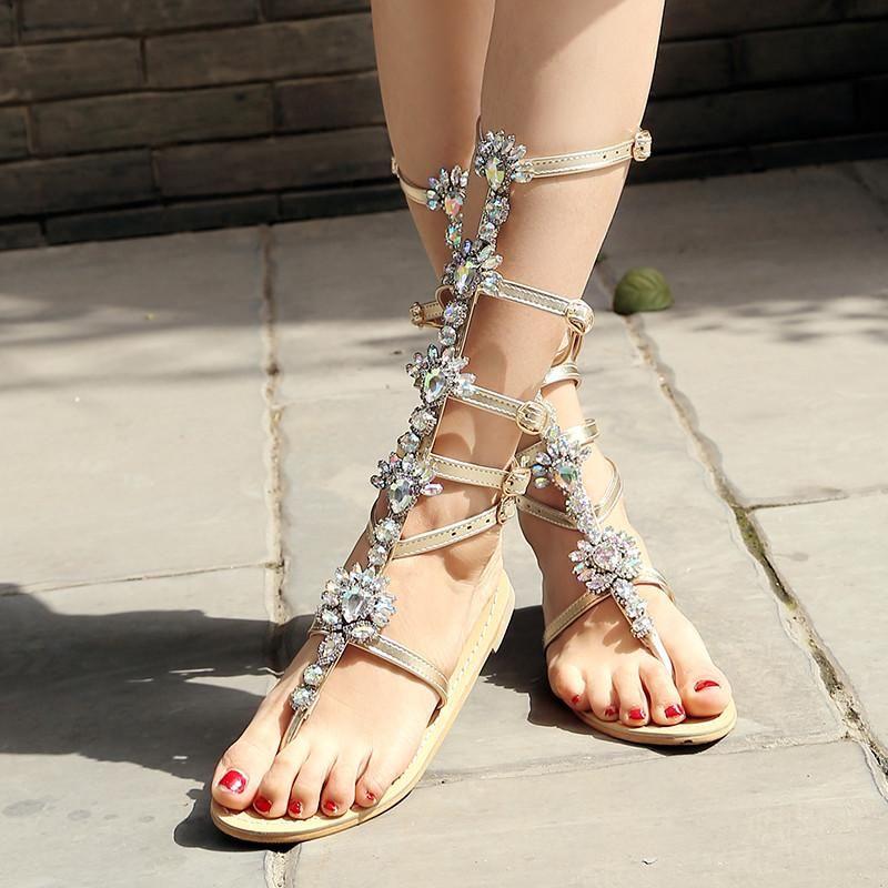Золотая гладиатор плоские сандалии женщин колено высокие квартиры пряжка ремешка летние сапоги алмазные горный хрусталь блестящий
