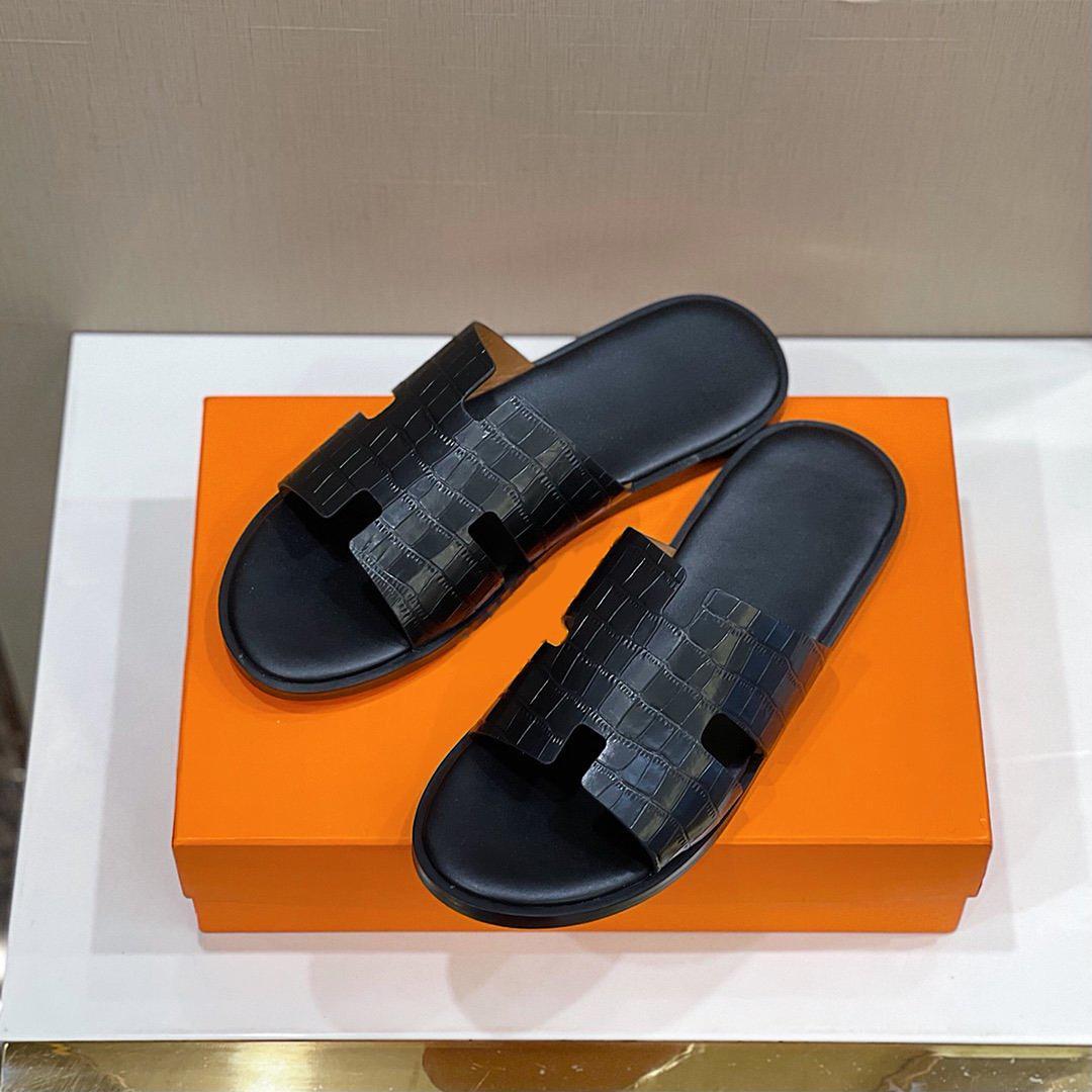 2021s Yüksek Kaliteli Yaz Erkekler Terlik Yapımı Düz Hollow Sandalet Tasarımcı Lüks Marka Klasik Erkekler Sürükle Boyutu39-45