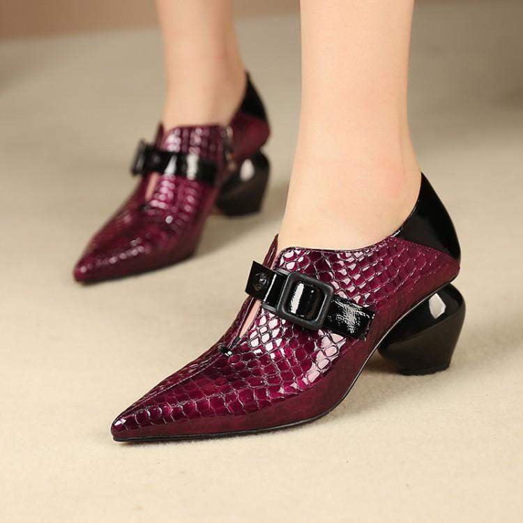 Robe chaussures 2021 mode serpent en peau de véritable cuir d'authentique style étrange talons hauts femmes femme mariage femme pointu one peu profonde pompes