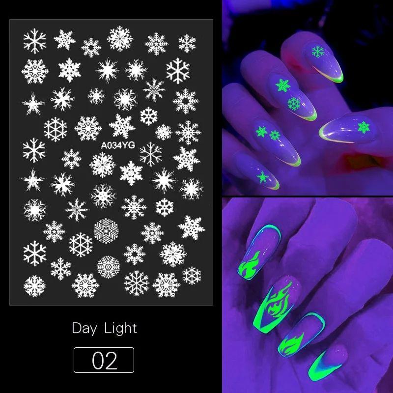 1pcs 3D Farfalla Flame Flame Snowflowers Disegni Adesivi per unghie luminosi Adesivi per unghie Glow In The Dark Glitter Nail Decalcomanie Decorazioni manicure