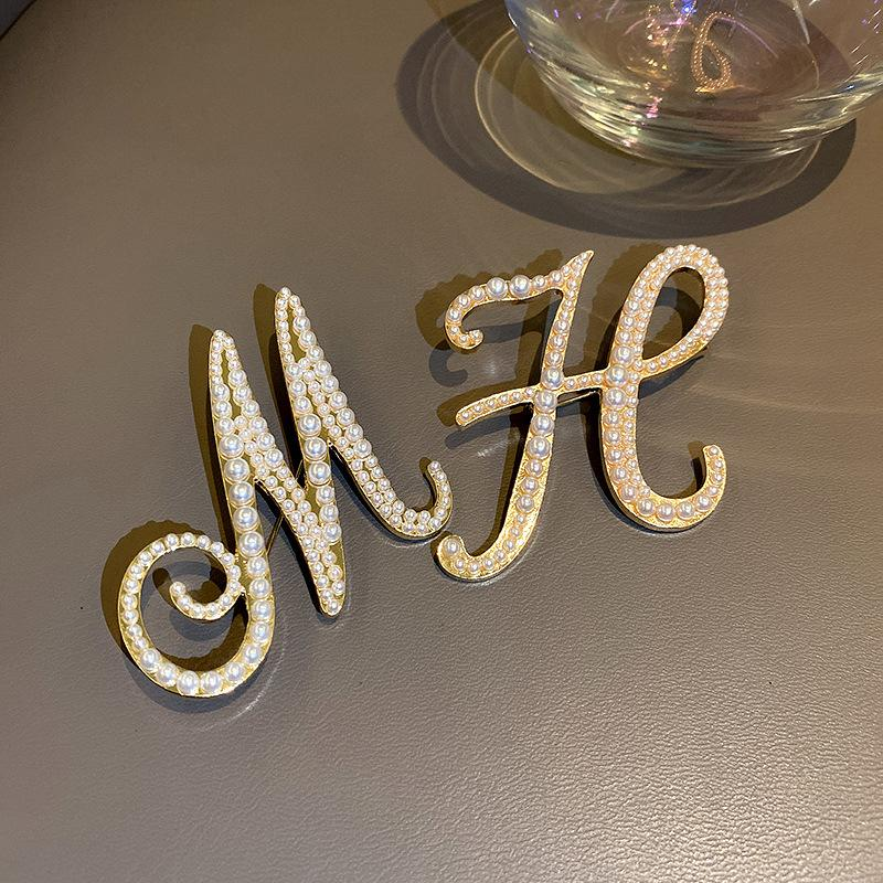 Designer Brooches high quality Pearl letter Brooch Valentine's Day gift L-C2