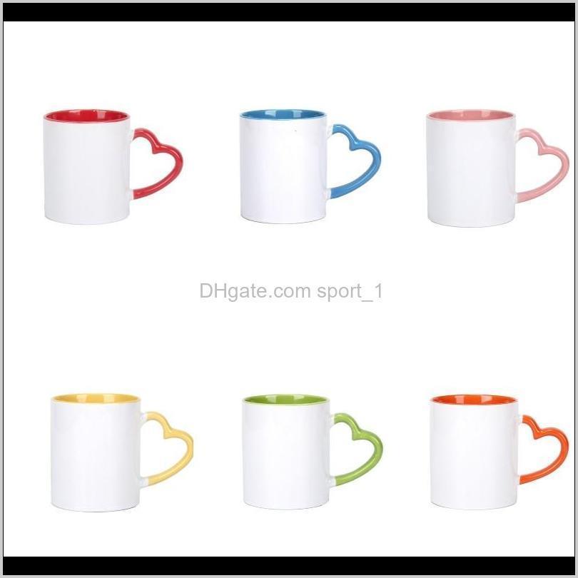 Tazze Drinkware Cucina, Sala da pranzo Casa Giardino Giardino Drop Consegna 2021 Blank Sublimation Tazza con la maniglia del cuore Tazze in ceramica bianca Colorata interiore