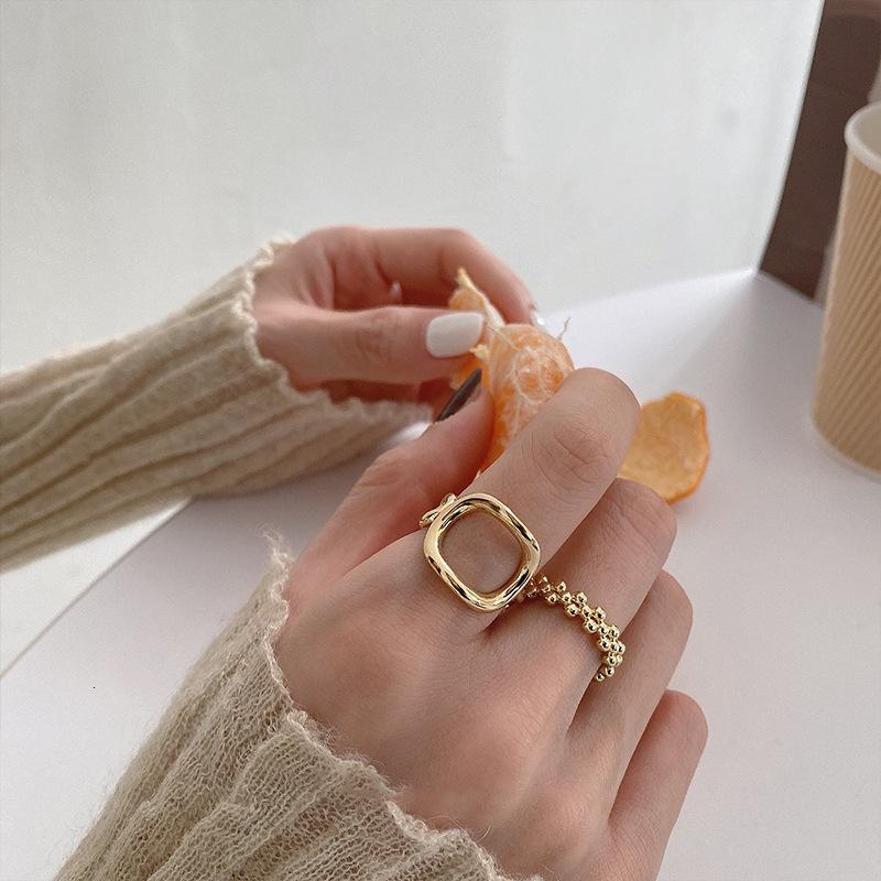 Bague de luxe pour femmes, mode, sens de haut niveau, design de niche, bague exquise, bijoux à la main simple et froide