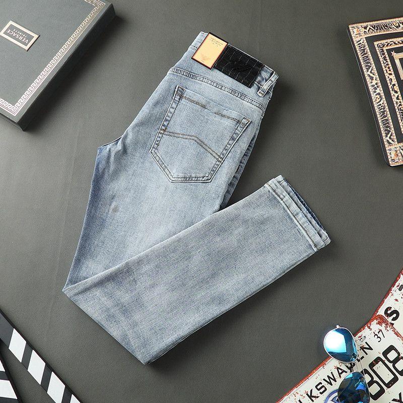 Lussurys Designer Mens Jeans Estate Design sottile Design Denim Ricamo Pantaloni vintage Fashion Slim-Leg Bules Moto Moto Biker Pantaloni Jean Dimensioni 28-40