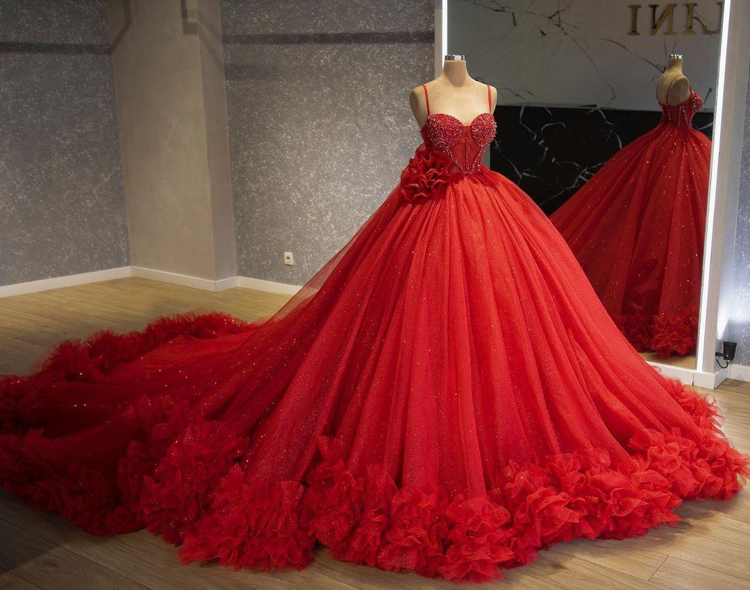 2021 Plus Size Luxurious Beaded Quinceanera Dresses Spaghetti Hand Made Flower Tulle Ball Gown Pageant Evening Prom Gowns ZJ415
