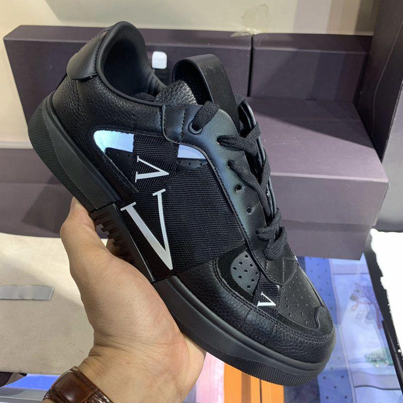 Designer Casual Shoes Mens Patchwork Trendy 38-45 Sneakers de Prestige Punk Rivets Skateboard Véritable Skateboard Skateboard Skateboard Coffret