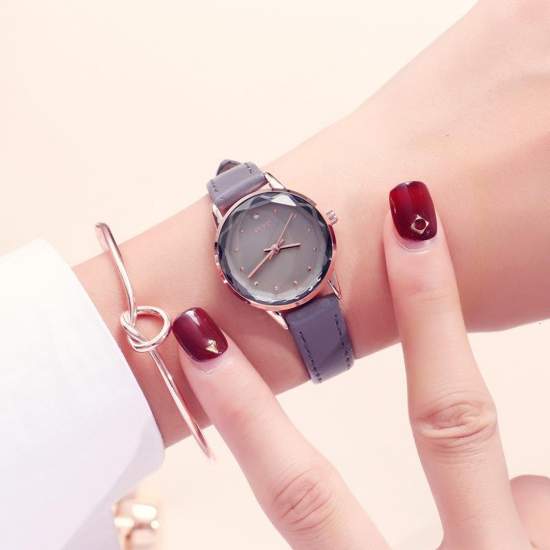 Watch Kezzi Damen Simple Stil Temperament Wasserdichte dünne Gürtel kleine Uhr