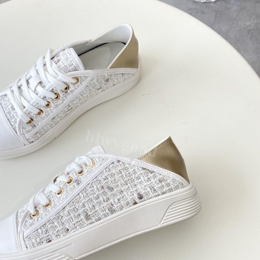 2021 ج تصميم فاخر المنسوجة الأحذية طريقتين لارتداء المرأة الشقق رائعة الدانتيل يصل النعال التطريز قماش الأحذية عارضة في الهواء الطلق sandshoe slipper
