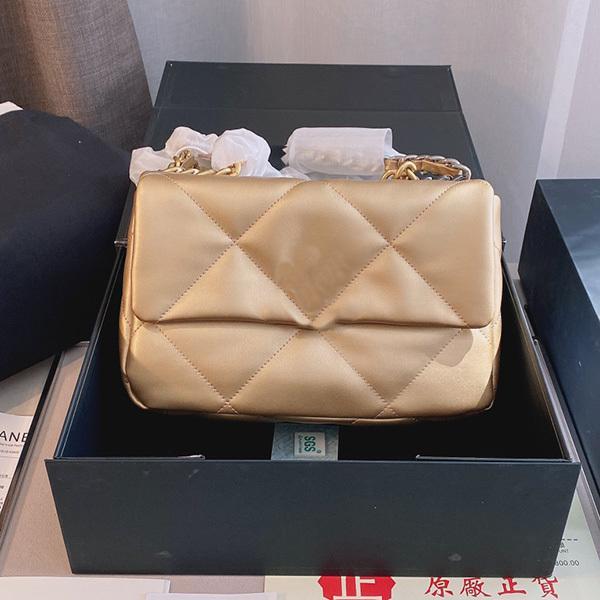 Diseño de bolso de lujo Diseñador clásico de la mujer C Le Boy Square 19 bolsas doble colgajo acolchado pequeño Metallic Gold 25 * 16 * 7 cm Cámara de vanidad Baguette Multi Pochette