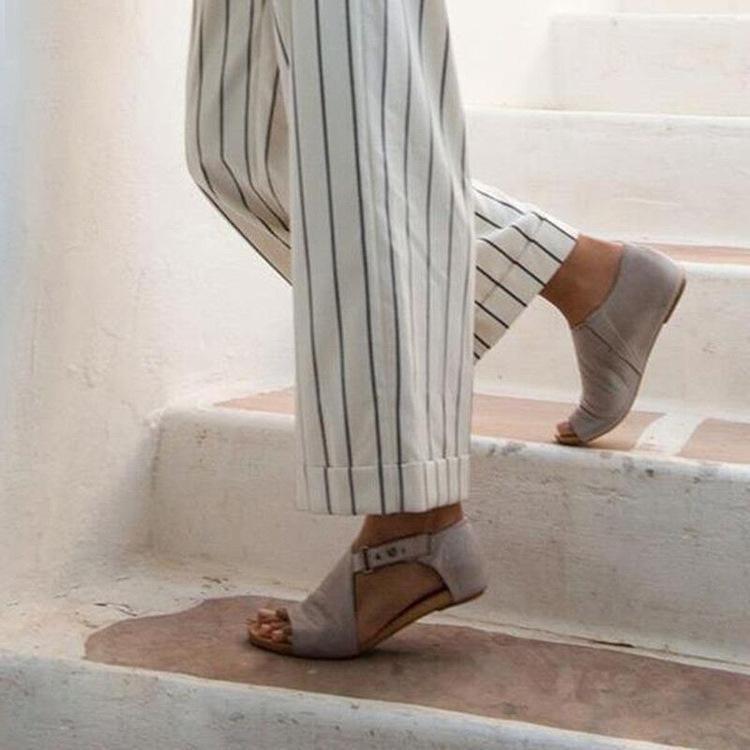 Appartamento con sandali con gladiatore conciso Donne Basic Roma Copertura tallone fibbia cinturino Plus Size Summer Bohemian Scarpe Solido