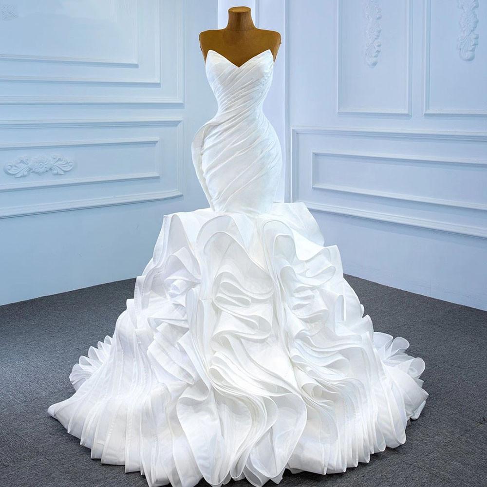 Plus Size Designer Mermaid Brautkleider Tiered Rüschen Sweetheart Falten Sweep Train Lace-up Backless Braut Kleid Maßgeschneidert