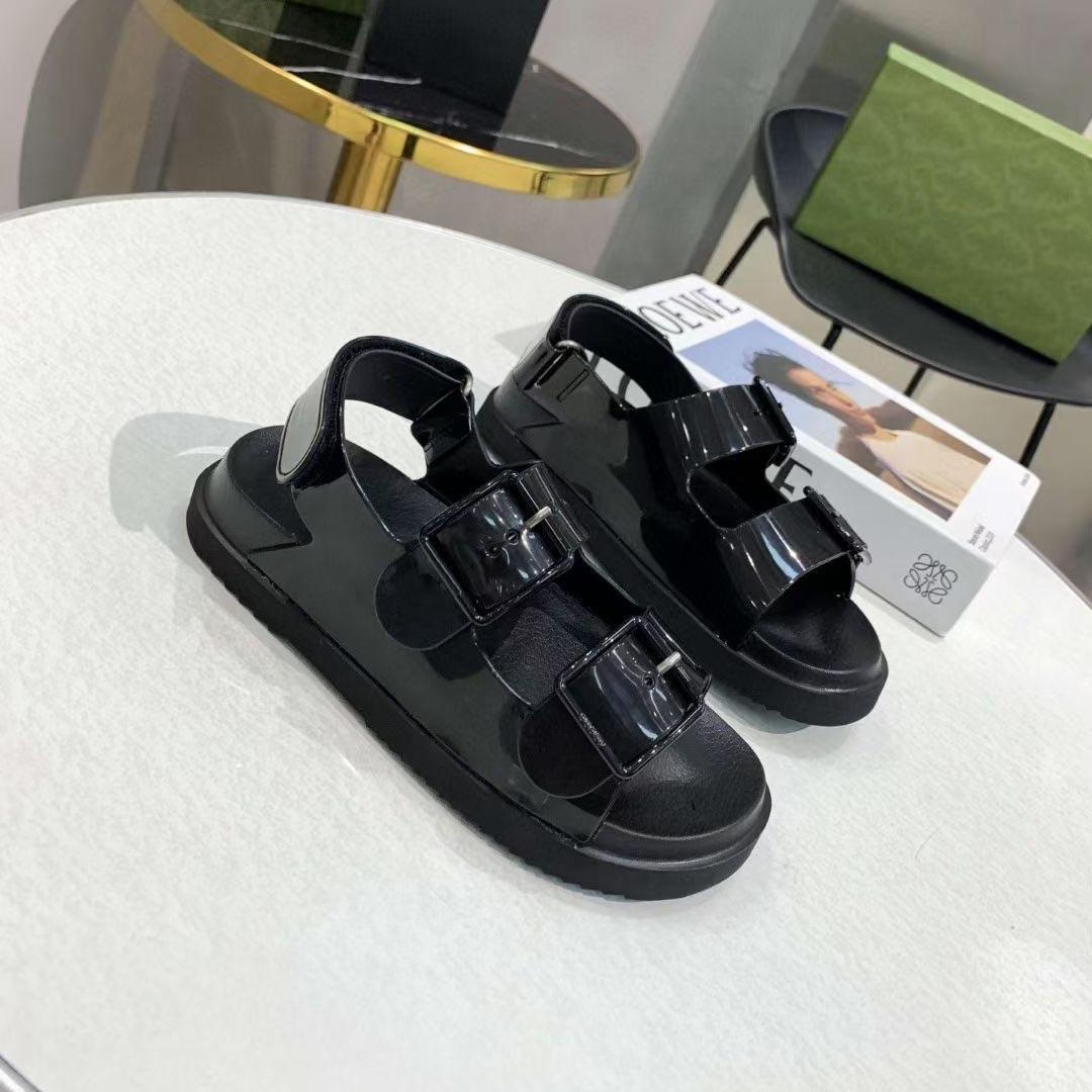 2021 Top Designer Donne di lusso Sandali Donne di lusso Fashion Summer Signore Appartamenti Spiaggia Pantofole da spiaggia Lasty Donna Casual Slides with Box Large Dimensioni 35-46