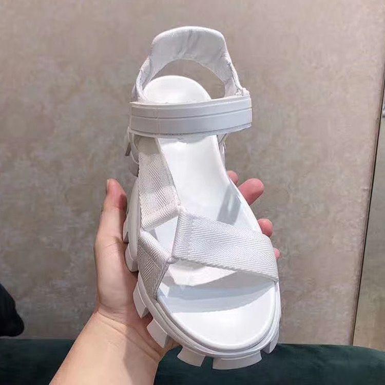 Hızlı Yüksek Kalite Sandal Kadınlar için Kalın Yuvarlak Kafa Deri Düz Yaz 2021 Boyutu 35-41