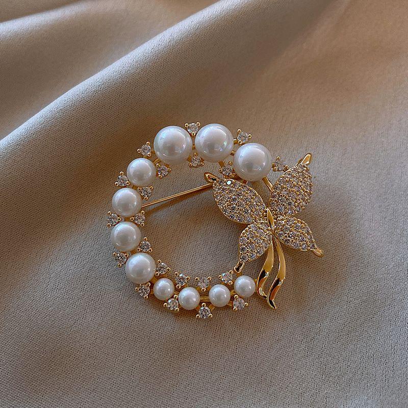 مصمم النساء دبابيس بيرل فراشة بروش مع الماس جودة عالية المجوهرات الفاخرة بالجملة