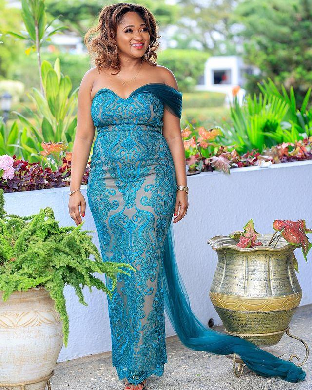 2021 Talla grande Árabe ASO EBI Blue Encaje Sexy Vestidos de prom Plasturas Sweetheart Illusion Vintage Tarde Formal Party Segunda recepción Gown ZJ202