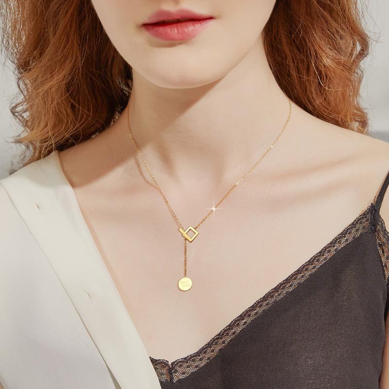 Ожерелье Женская мода Титановый сталь покрытый 18K Золотая цепочка шеи круглый бренд подвеска надписи темпераментные цепочки ключицы