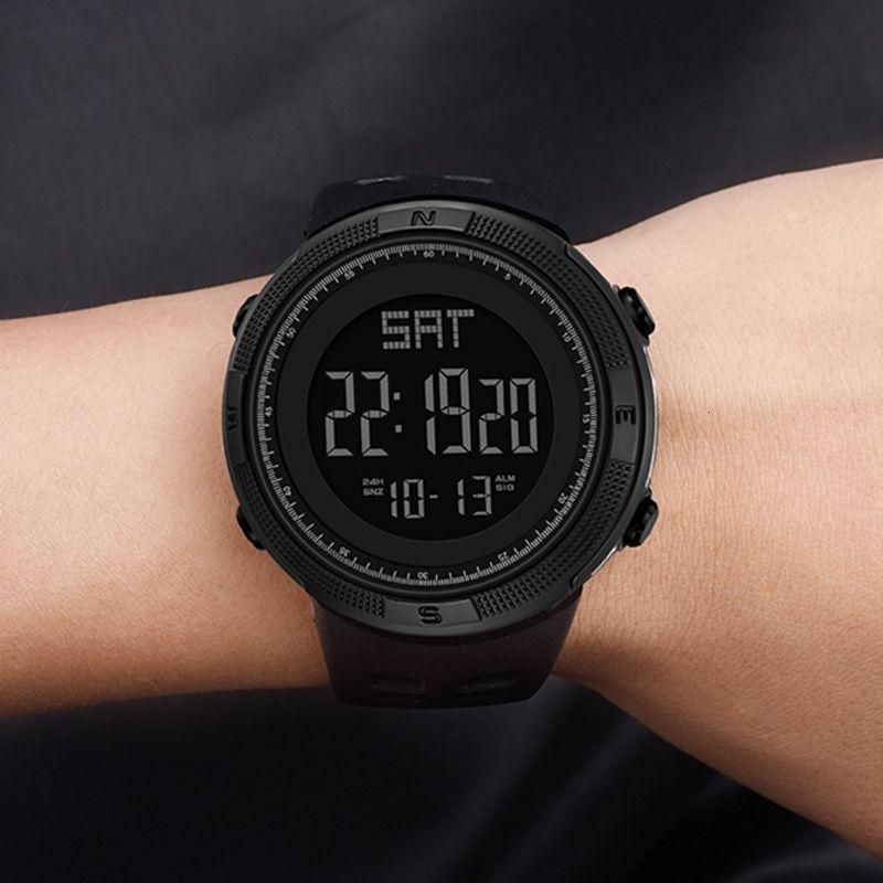 Dijital İzle Erkekler Spor Elektronik İzle Askeri Panaralar Su Geçirmez LED Fitness G İzle Açık S Şok Koşu Chronograph LY191213