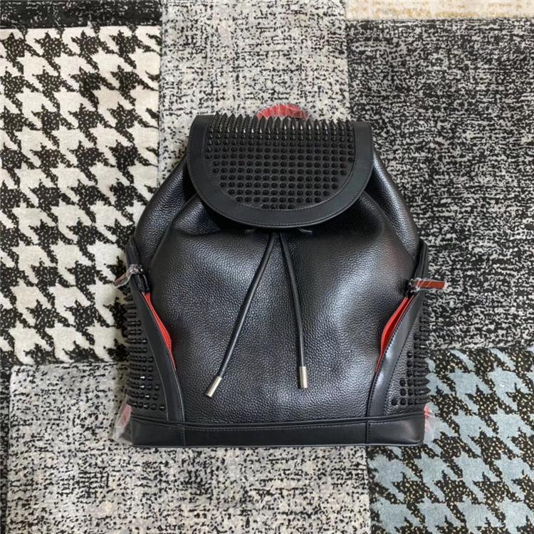 Лучшие моды мальчики девушки рюкзаки высококачественные любовники школьные сумки сумки усеянные заклепки настоящие кожаные женщины мужские рюкзак