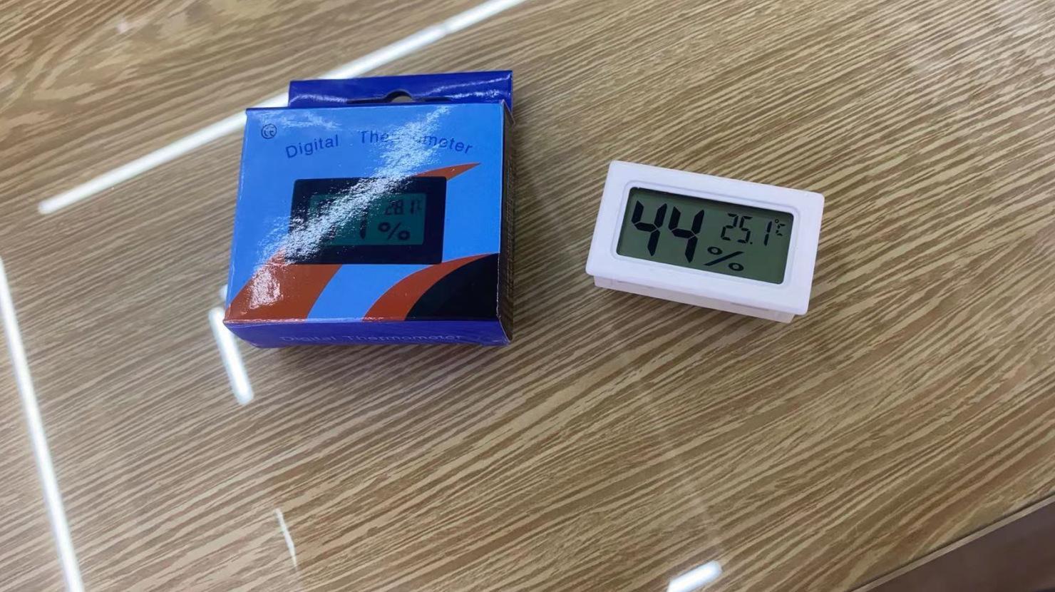 Usine Température Mini Électronique Digital Display Intérieur Extérieur Pet Crawler Sans fil Humidité Compteur