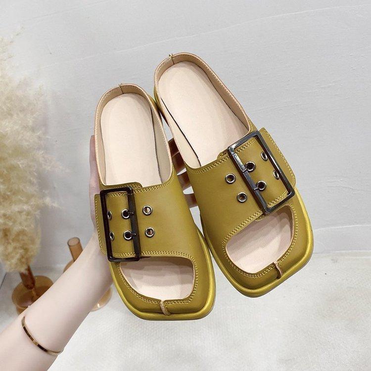 Pantofole Donne Summer Female Scarpe su un cuneo Slifts a bassa piattaforma Fashion 2021 Soft Beach Luxury Ziocca Tacchi PU Gomma Casual Cuci