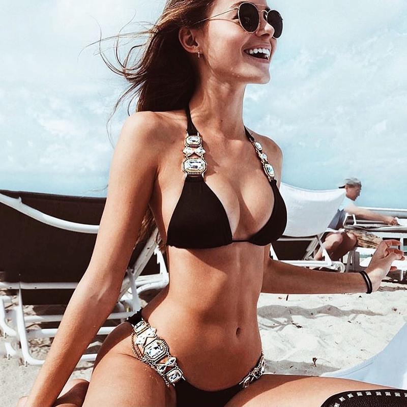 2021 Rhinestone Badeanzug Frauen Bikinis Kristall Diamant Bikini Set Metallkette Swimwear Weibliche Luxus Aristokratische Schwimmanzug 210419